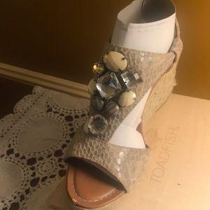 Libby Edelman, tan jeweled wedge sandals; size 7W